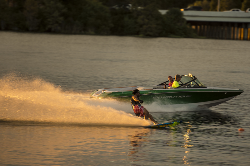 Sunset slalom swerving puts JT at a mental advantage. He takes full advantage with 2@41 off